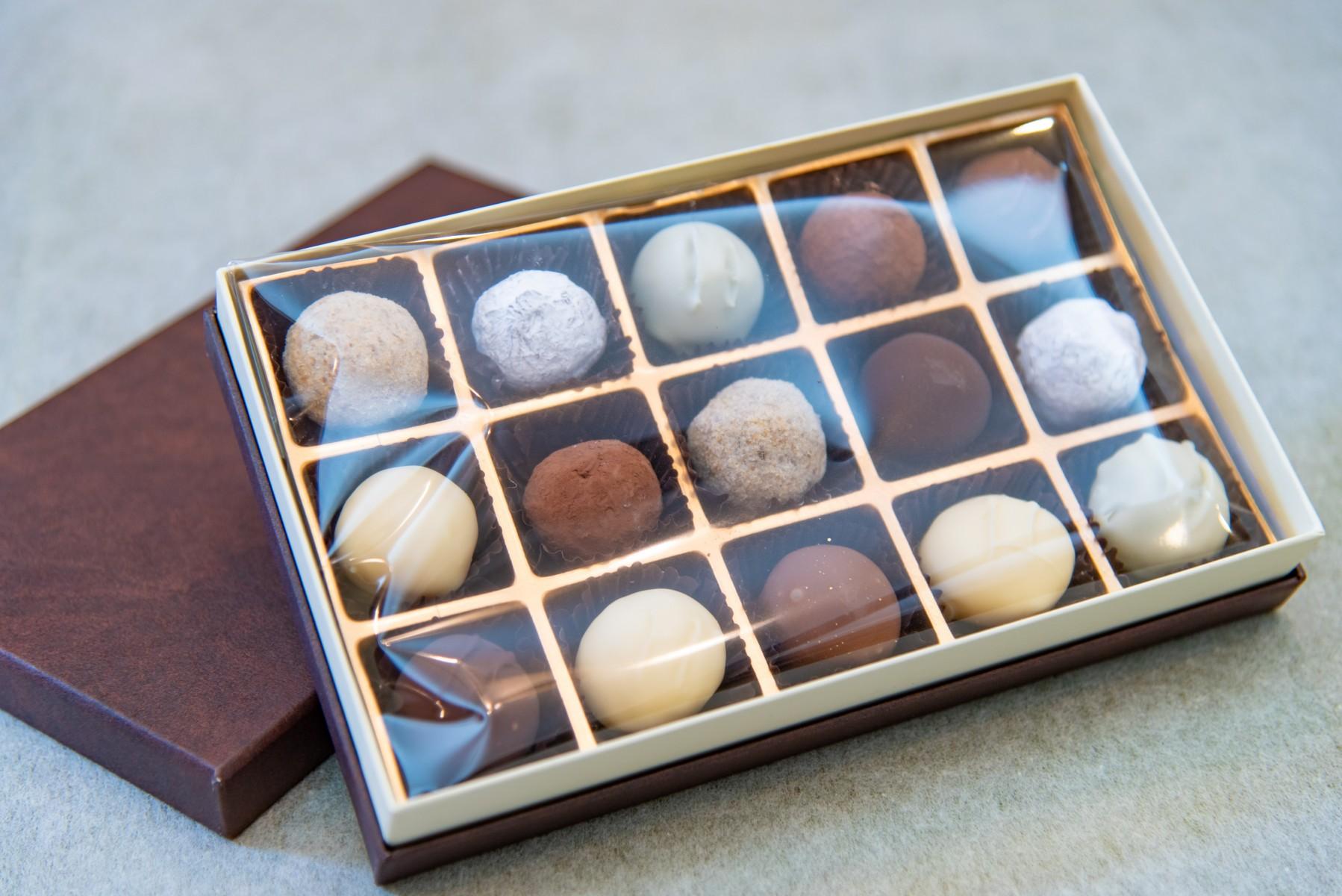 チョコレート詰め合わせ15個